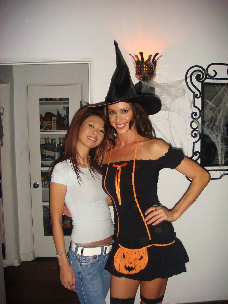 partying with my girl shannon elizabeth in la the day afte ...