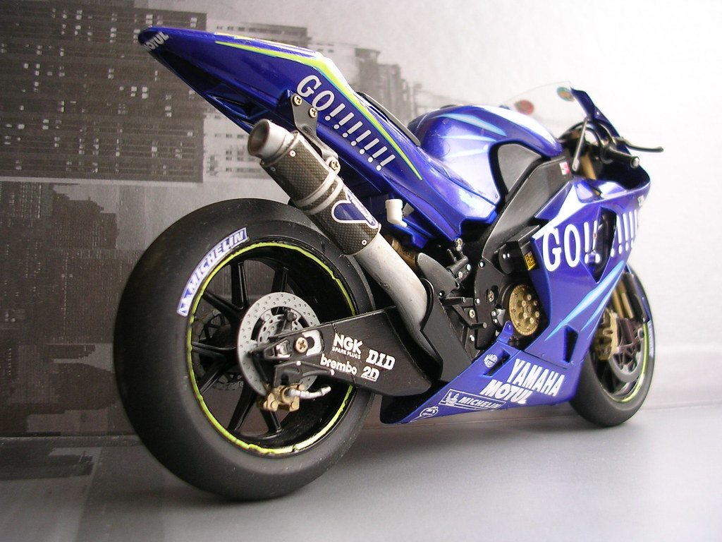 Yamaha R Model Kit