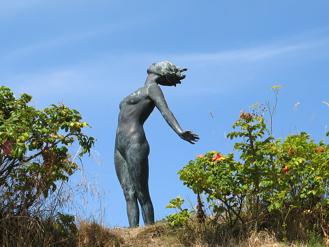 Statue at Smygehuk | S... Uma Thurman