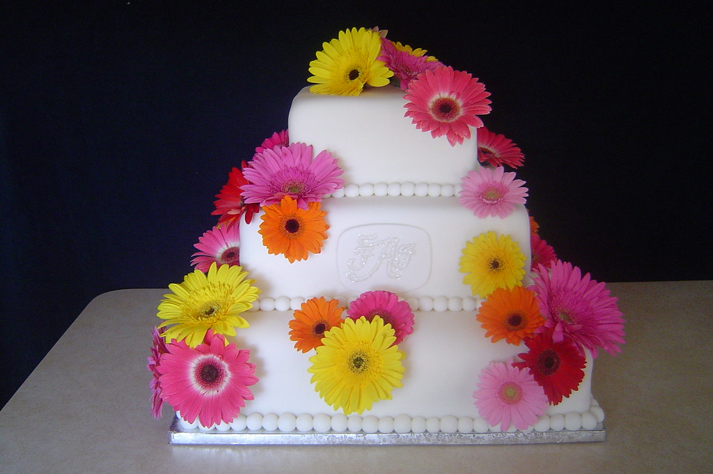 wedding cake pictures with gerbera daisies gerbera wedding cake with monogram this cake was 23449