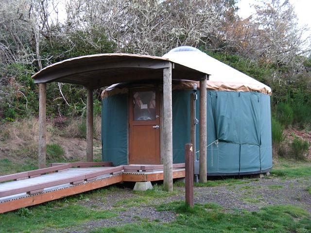 Fort stevens yurt village yurt 4 fort stevens state park for Oregon state parks yurts and cabins