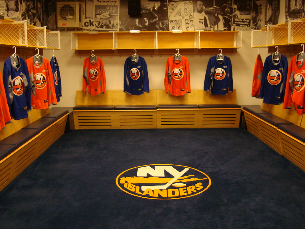 New York Islanders Uniform Change