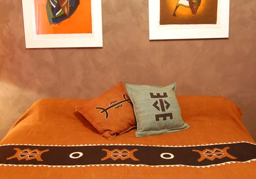parure de lit ethnique avec coussin bogolan d coration africaine flickr. Black Bedroom Furniture Sets. Home Design Ideas