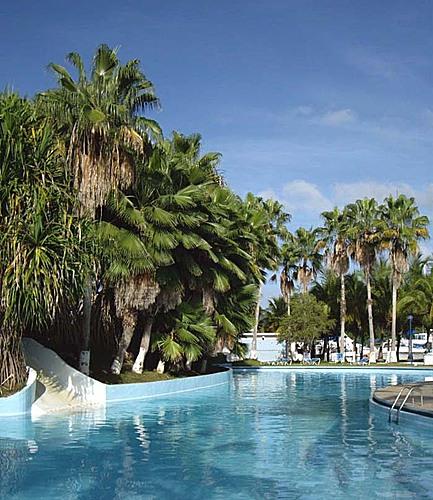 Piscina bahia los piratas piscina del club bahia de los for Piscina bahia