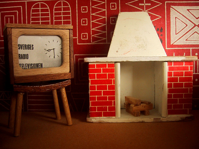 1950s Vintage Lundby Dolls House Tv And Fireplace Pictures Flickr