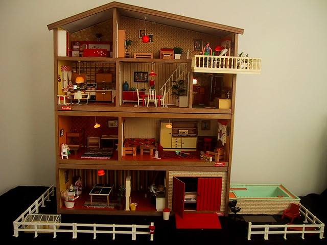 1975-78 vintage Lundby house | Full four stories high with c… | Flickr
