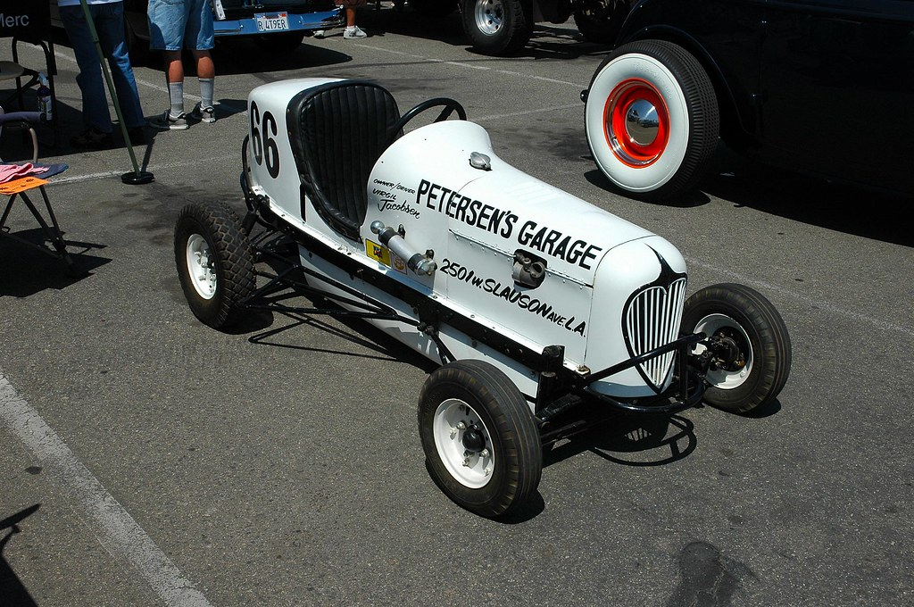 Three Quarter Midget Race Cars