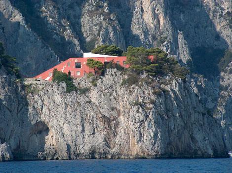 Capri la famosa villa dello scrittore curzio malaparte for Villa curzio malaparte