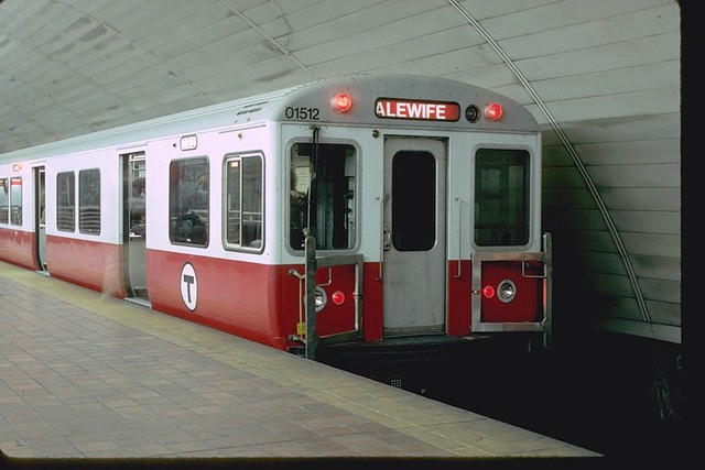 mbta red line pullman car 01512 at porter square in 1994