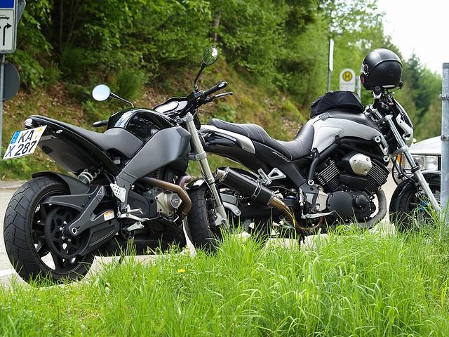 Buell XB12STT Und Yamaha BT1100 Bulldog