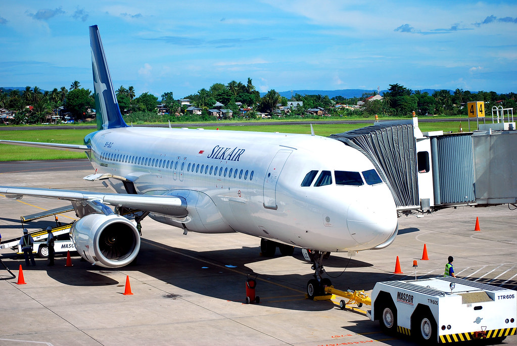 silk air   davao international airport