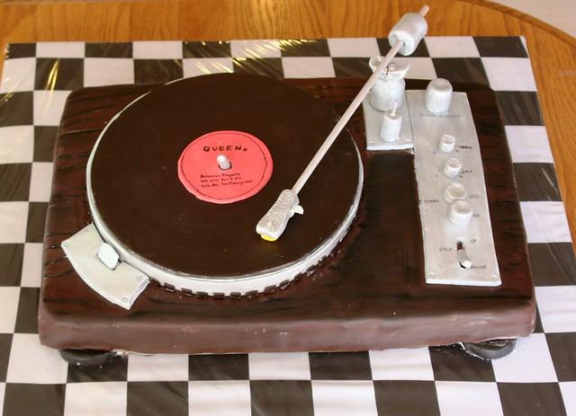 Cake Turntable House