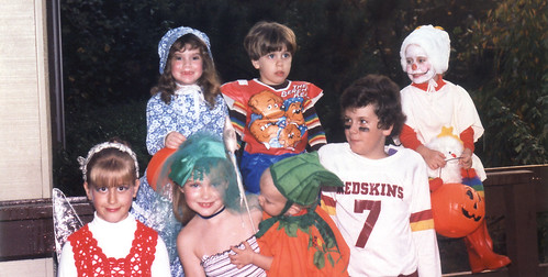 1980s (mid) - Eve, Britt, Emily, Nathan, Blake (we think), Clint, Laine - Halloween - costumes - sitting - 0071 | by Rev. Xanatos Satanicos Bombasticos (ClintJCL)