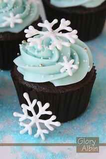 Snowflake Cupcakes | by Glorious Treats