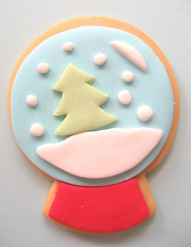 christmas tree snow globe cookie | by hello naomi