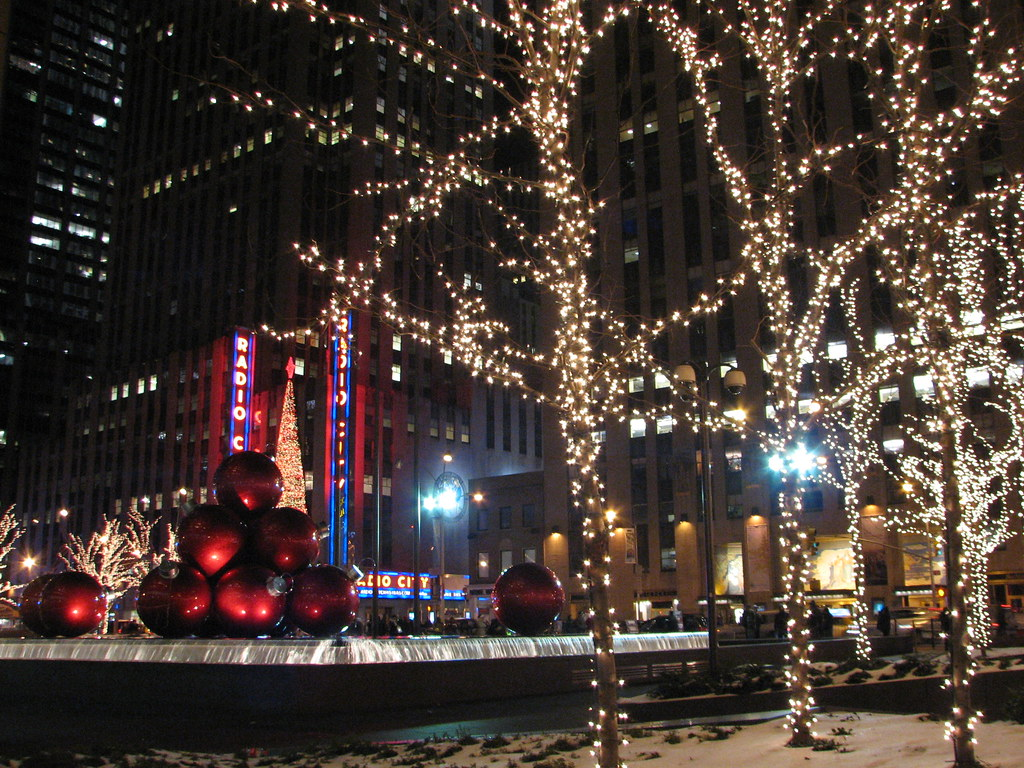#A82329 6th Avenue Christmas Decorations New York City NY 7  5549 decorations noel new york 1024x768 px @ aertt.com