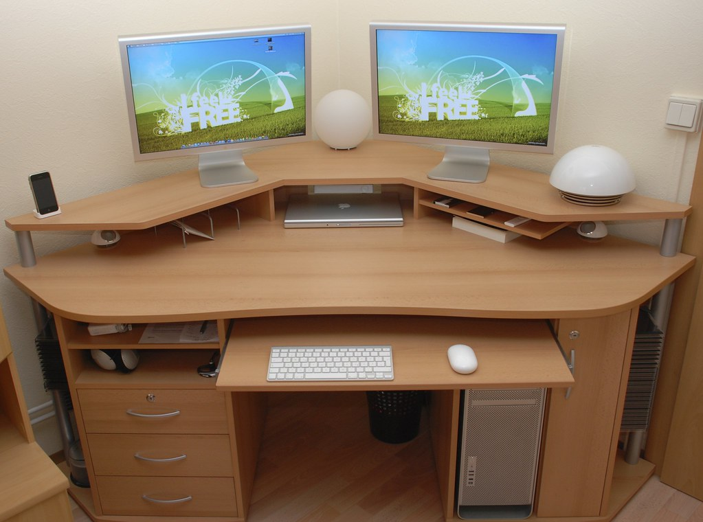 Как и из чего сделать компьютерный стол