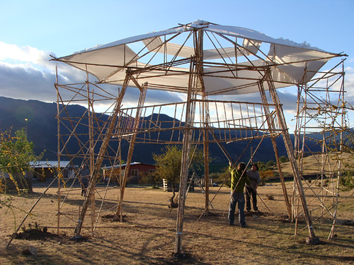 Pergola de bambu piutaendo bambooswet flickr - Pergola bambu ...