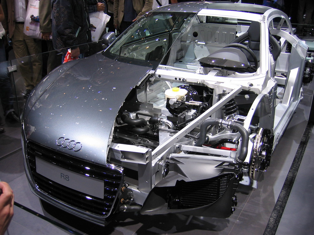 Audi R8 Cutaway Cutaway Of The Audi R8 At The 2006 Paris