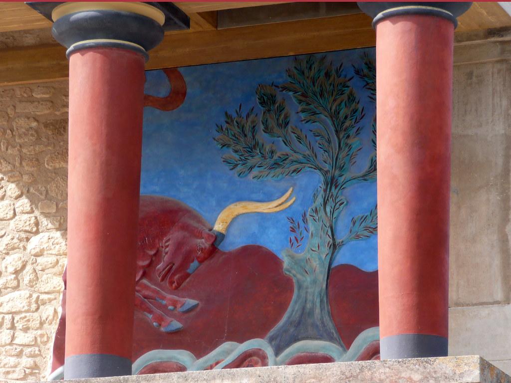 Visit Knosos in Crete
