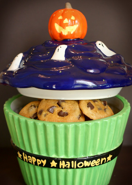 Halloween Cupcake Cookie Jar | Pumpkin Pecan Chocolate Chunk ...