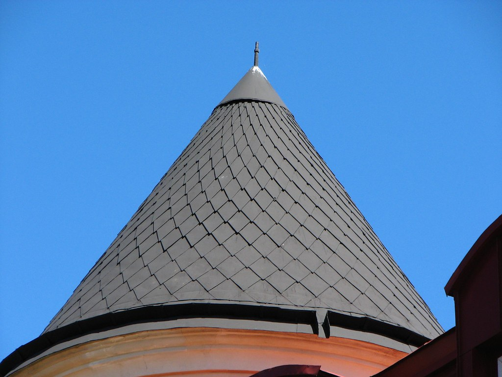 Tiling A Cone Shaped Roof Kristianstadt Sweden