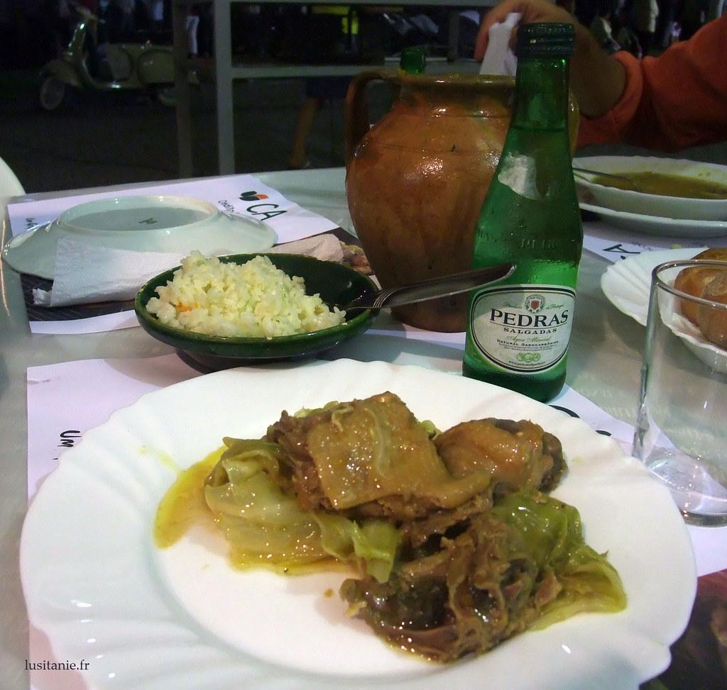 Poulet servi dans son assiette