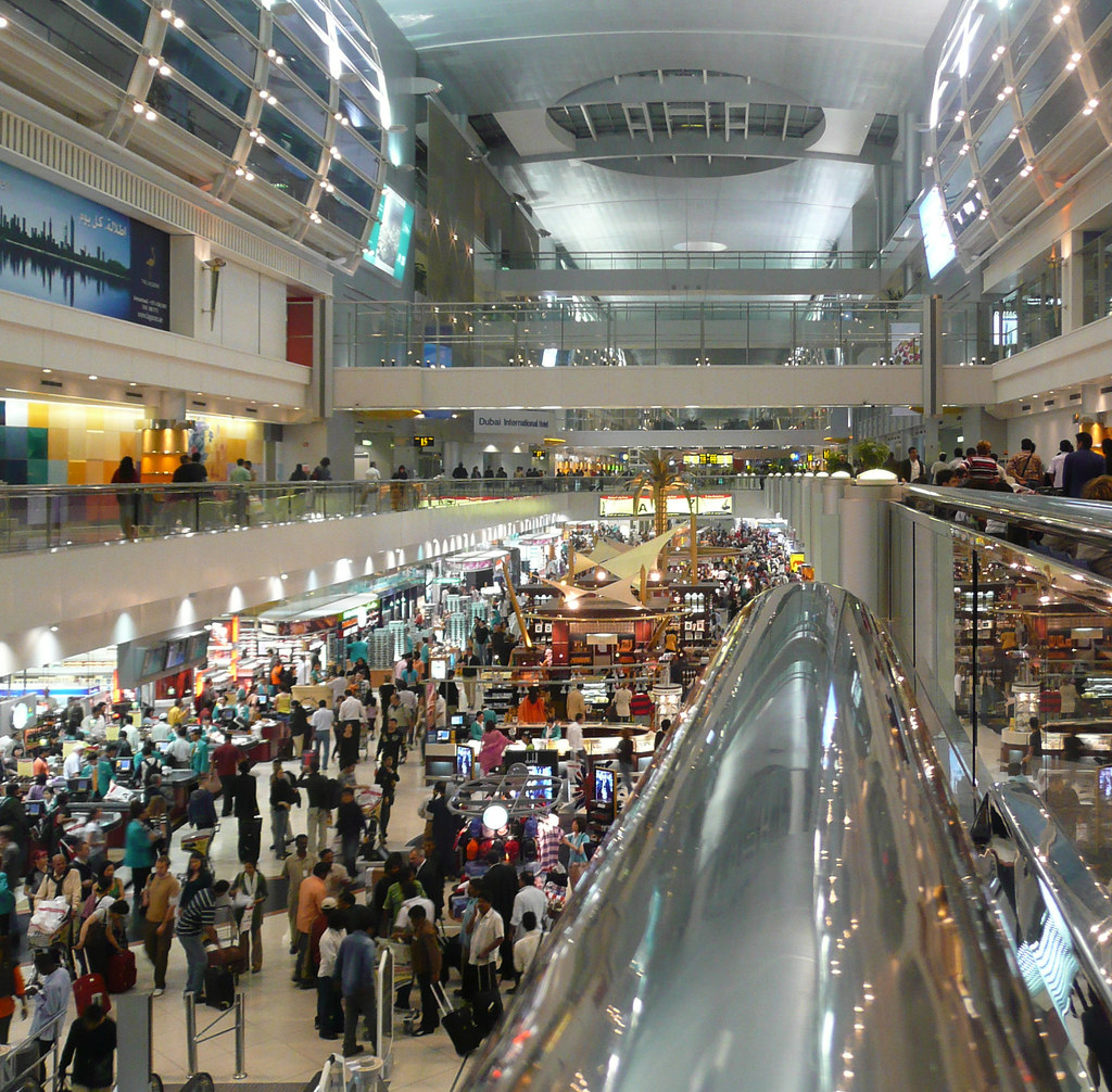 essay on a busy shopping mall The shopping malls is one of the most popular assignments among students' documents if you are stuck with writing or missing ideas, scroll down and find inspiration in the best samples.