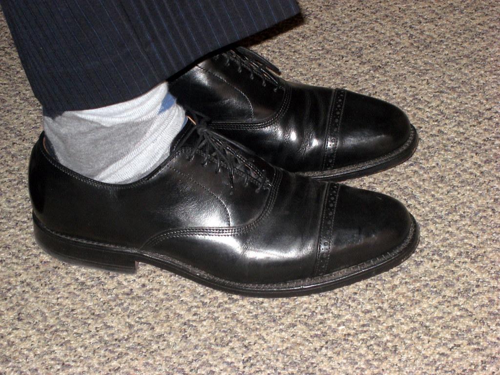 Allen Edmonds  Leiden Style Walnut Brown Dress Shoes