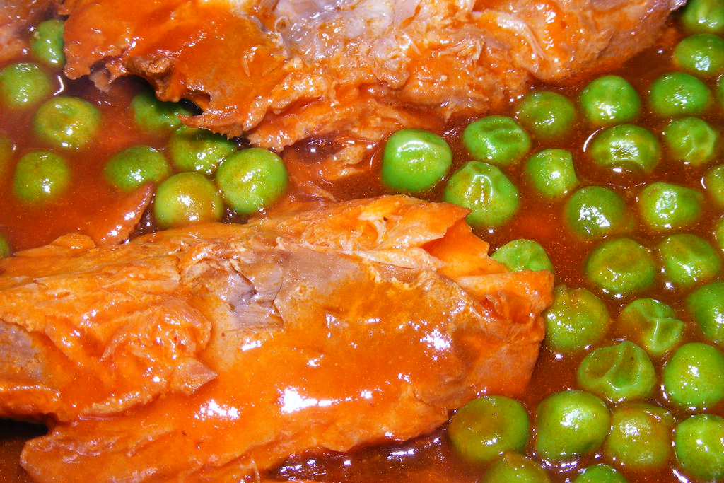 Hering in spicy mexican sauce with peas | Hering in spicy me ...