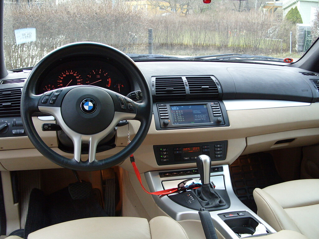 bmw x5 interior 2 bmw x5 interior sport package beige. Black Bedroom Furniture Sets. Home Design Ideas