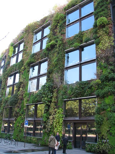 Vertical garden at Quai Branly | by kalevkevad
