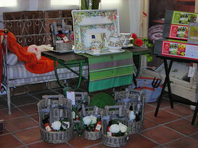 Mobiliario vajilla art culos para jardiner a explore for Articulos para jardineria