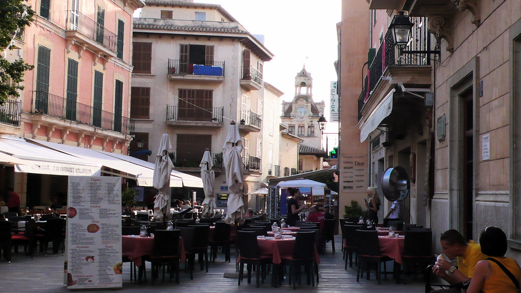 Eateries In Alcudia Old Town