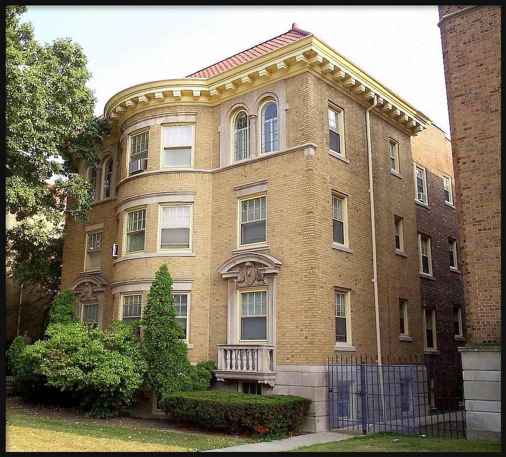 Southcourse Apartments: Highland Park MI