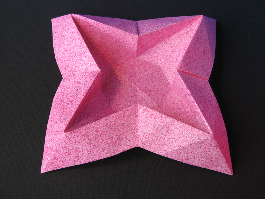 Cute origami star box- great treat boxes! (With images) | Origami ... | 768x1024