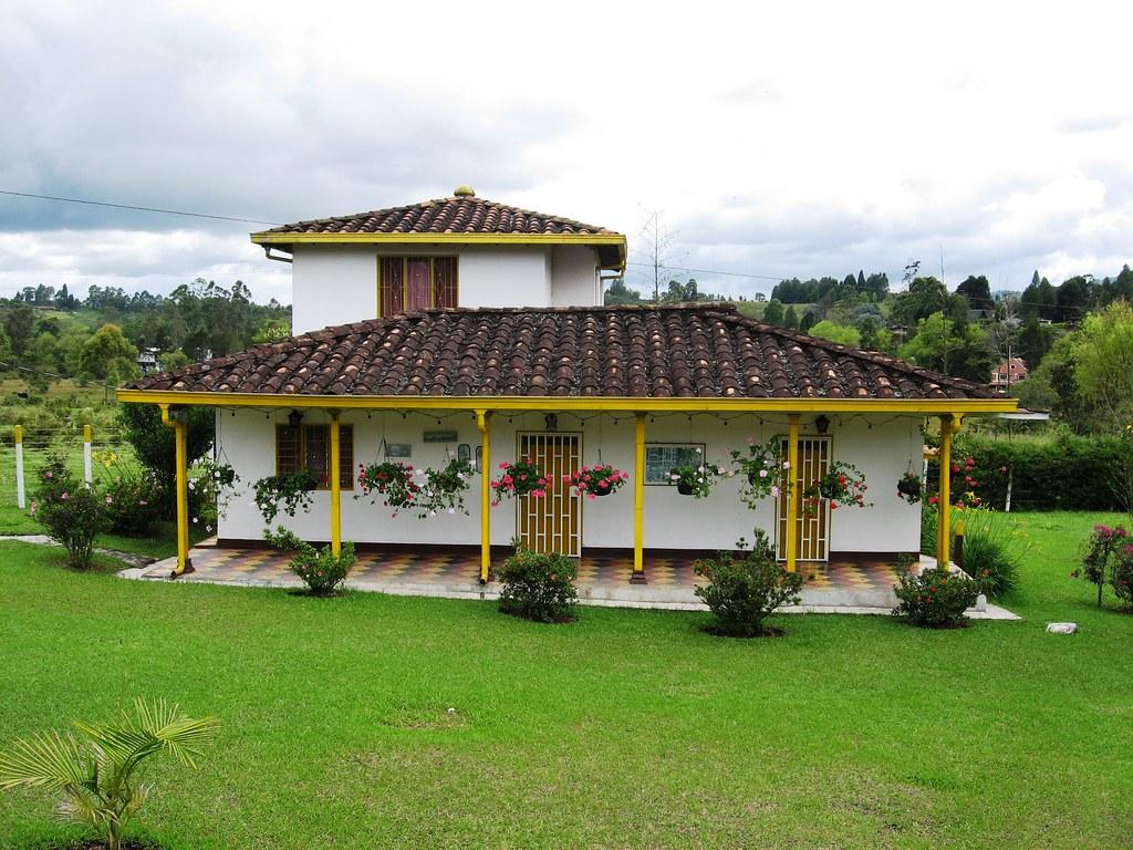 Casa campestre oriente de antioquia un lugarcito al for Cubiertas para casas campestres