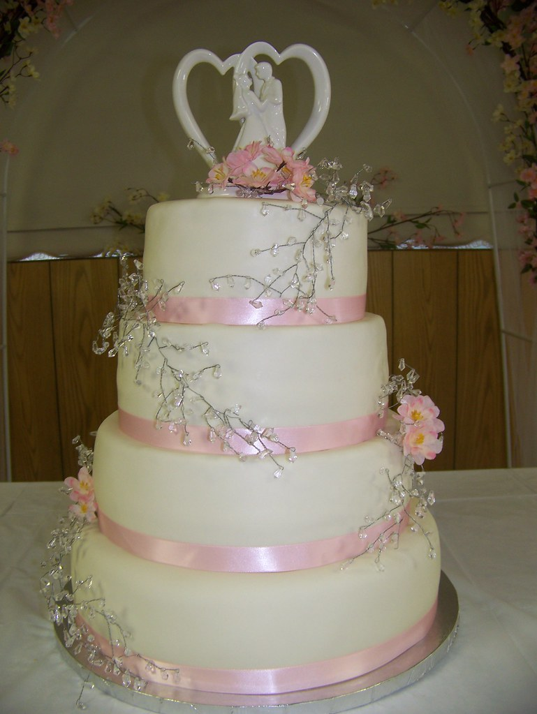 4 tier wedding cake support 4 tier fondant wedding cake four tier fondant wedding 10415