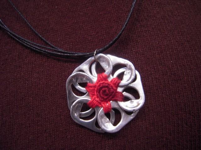 pop tab necklace with a pop tab flower colar   uma