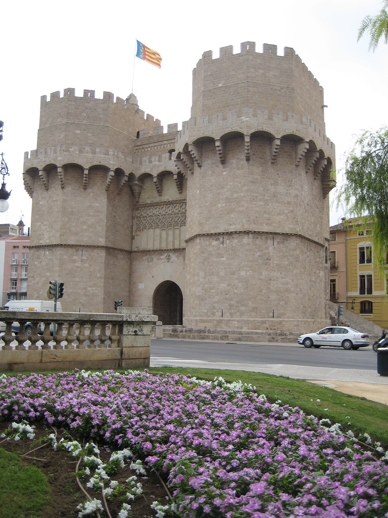 Torres de Serranos  The old North gate to the city  Phil Whitehouse  Flickr