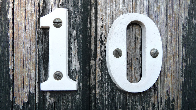Number 10 | Close up of the number on one of the lock-up she… | Flickr