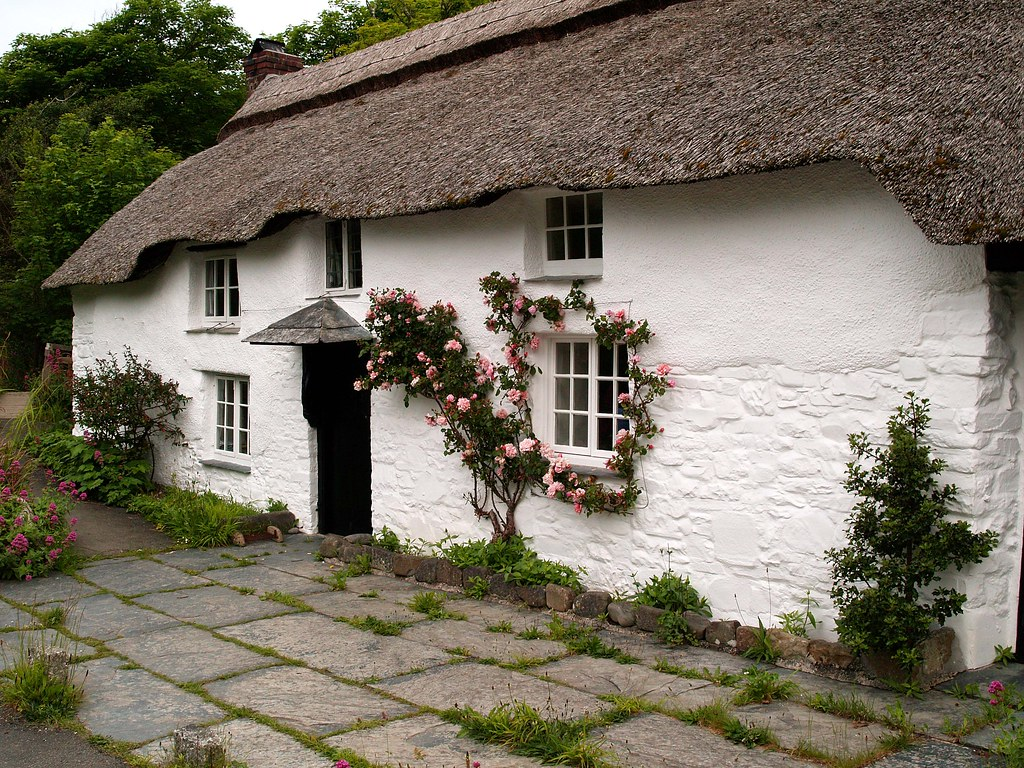 Devon thatched cottage on a little byroad in nothe dvon - Casas inglesas de campo ...