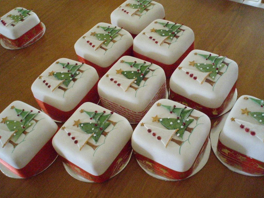 Small Christmas Cake Images : Mini Christmas cakes - christmas trees 4inch Mini ...