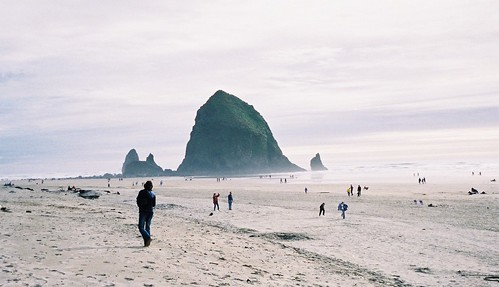 Haystack Rock, Cannon Beach - Oregon Coast | by mattk1979