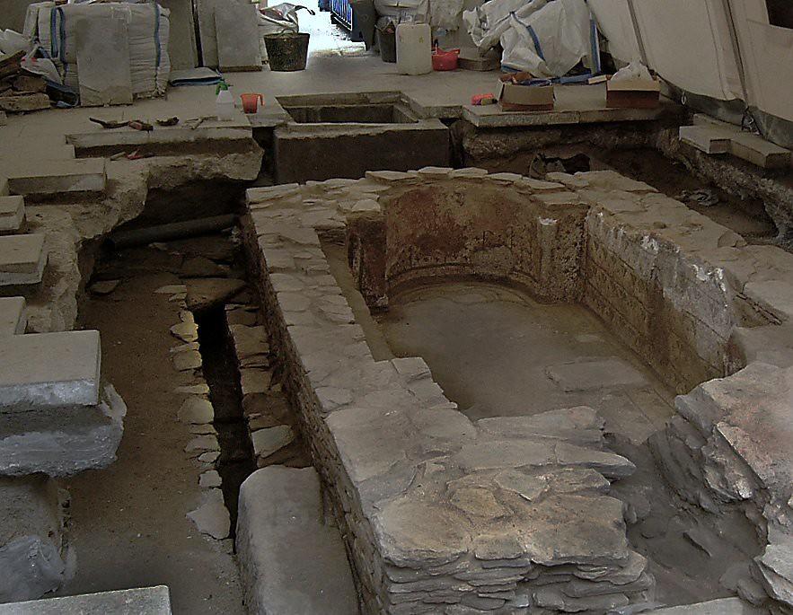 Piscina romana en lugo en el centro hist rico de lugo for Piscina municipal lugo