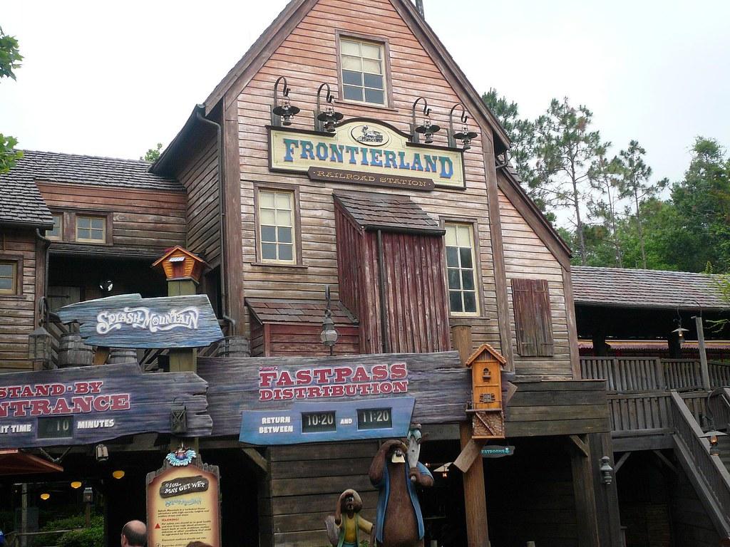 Entrance to Splash Mountain Frontierland Magic Kingdom Wal ...