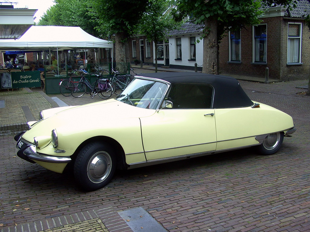1963 citro n ds 19 cabriolet even though it 39 s 45 years old flickr. Black Bedroom Furniture Sets. Home Design Ideas