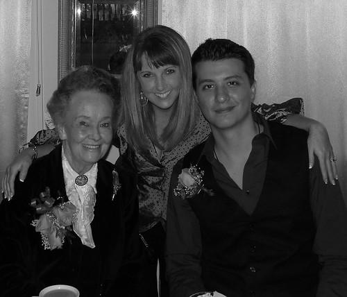 LORRAINE WARREN , RYAN BUELL , AND SUE AT THE HALLOWEEN ...