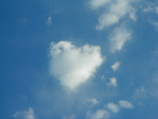 heart shaped cloud | by svengali_s