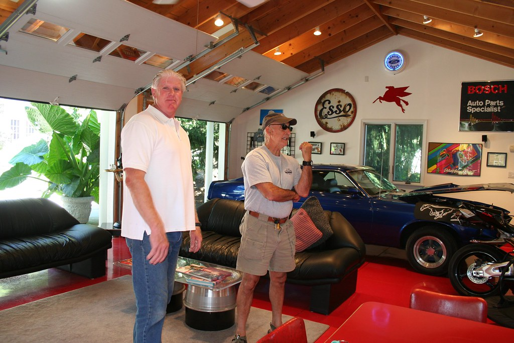 Stephen and linda 39 s super garage stephen and his son for Garage new s villejuif